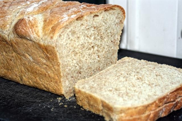 chleb tostowo-kanapkowy z dodatkiem mąki pełnoziarnistej